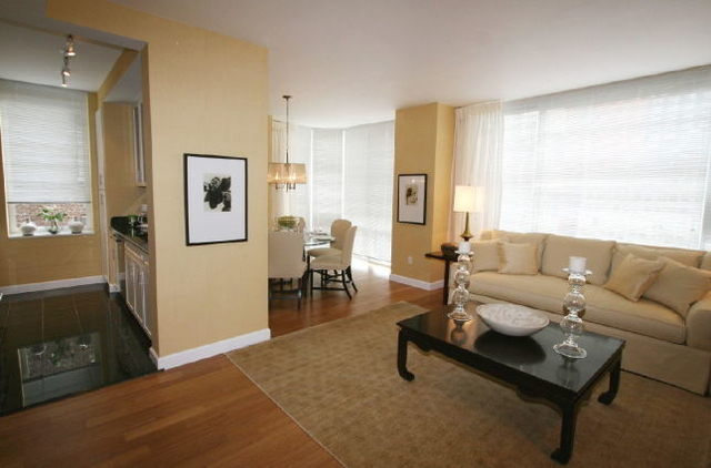 2 Bedrooms, Garment District Rental in NYC for $6,195 - Photo 1