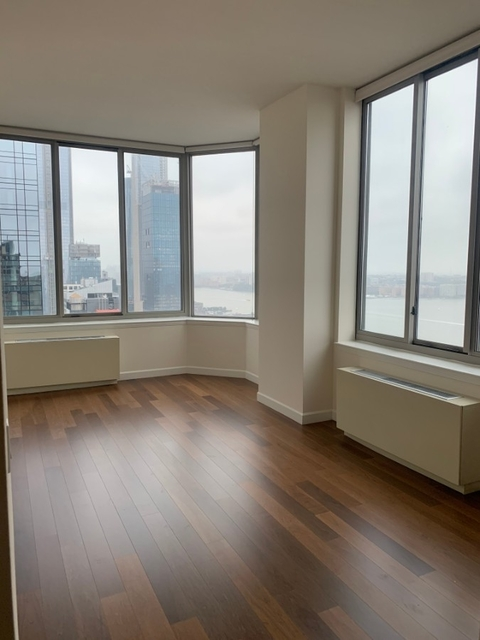 3 Bedrooms, Hell's Kitchen Rental in NYC for $5,150 - Photo 1