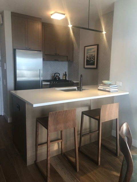 2 Bedrooms, Hell's Kitchen Rental in NYC for $5,105 - Photo 2