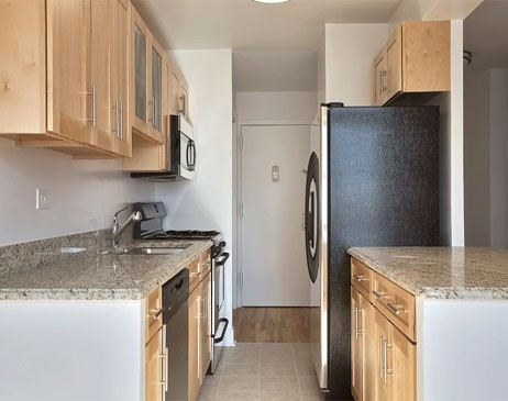 2 Bedrooms, Tribeca Rental in NYC for $6,250 - Photo 2