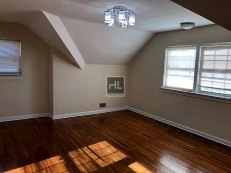 2 Bedrooms, Queensboro Hill Rental in NYC for $2,250 - Photo 2