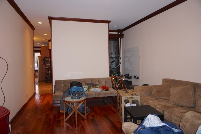 3 Bedrooms, Jackson Heights Rental in NYC for $3,100 - Photo 2