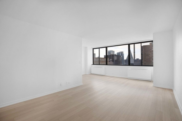 Studio, Lincoln Square Rental in NYC for $3,100 - Photo 1