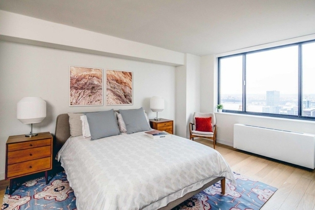 2 Bedrooms, Hell's Kitchen Rental in NYC for $7,792 - Photo 2