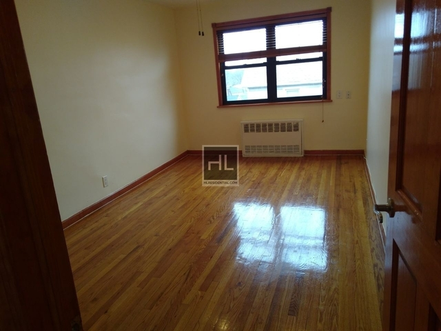2 Bedrooms, Queensboro Hill Rental in NYC for $2,000 - Photo 2