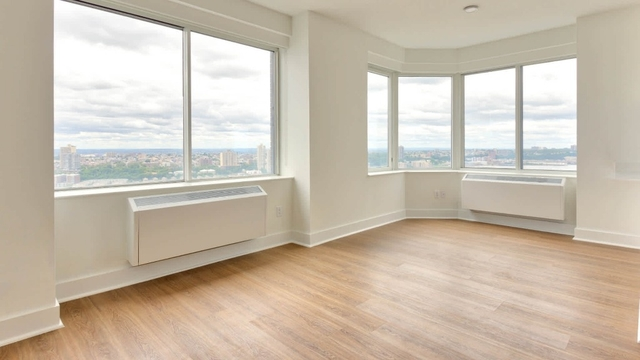 1 Bedroom, Lincoln Square Rental in NYC for $5,185 - Photo 2