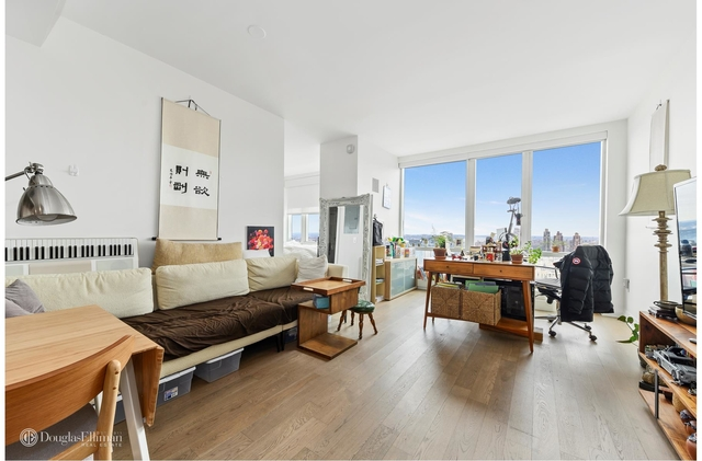 Studio, Hell's Kitchen Rental in NYC for $4,800 - Photo 1