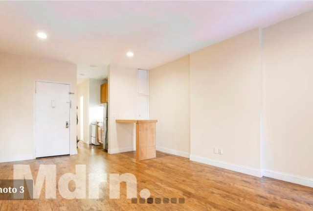 2 Bedrooms, Theater District Rental in NYC for $3,300 - Photo 2
