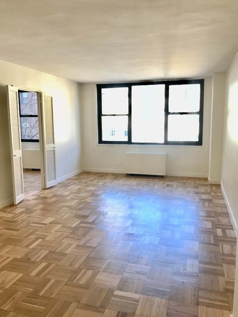 2 Bedrooms, Turtle Bay Rental in NYC for $4,400 - Photo 1