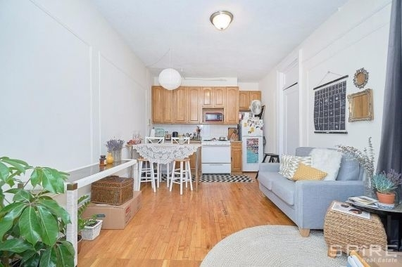 2 Bedrooms, Morningside Heights Rental in NYC for $2,795 - Photo 1