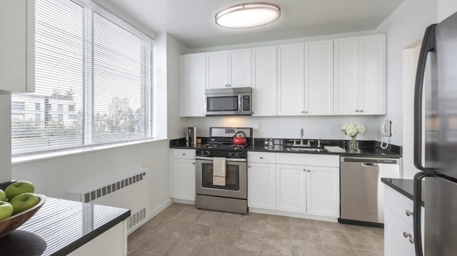 Studio, Lincoln Square Rental in NYC for $2,629 - Photo 1