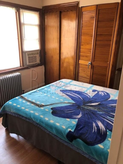 2 Bedrooms, Steinway Rental in NYC for $2,000 - Photo 1