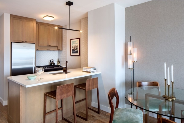2 Bedrooms, Hell's Kitchen Rental in NYC for $3,390 - Photo 2