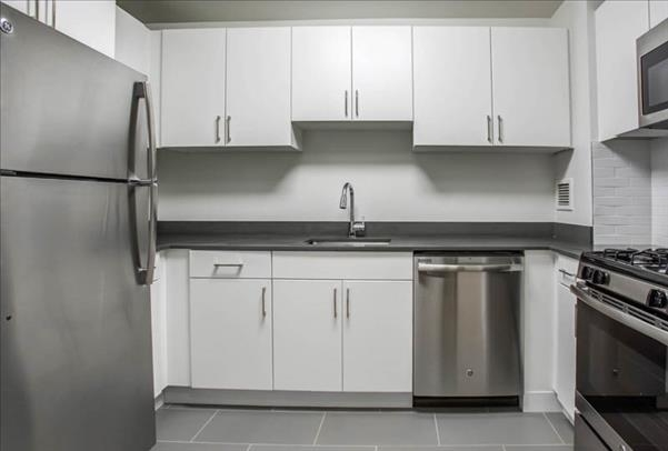 2 Bedrooms, Hell's Kitchen Rental in NYC for $4,902 - Photo 1