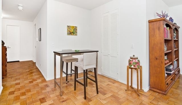 1 Bedroom, Sutton Place Rental in NYC for $5,400 - Photo 2