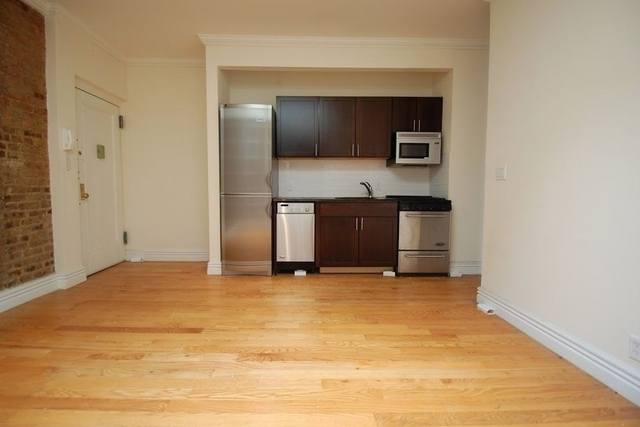 3 Bedrooms, Alphabet City Rental in NYC for $5,390 - Photo 2