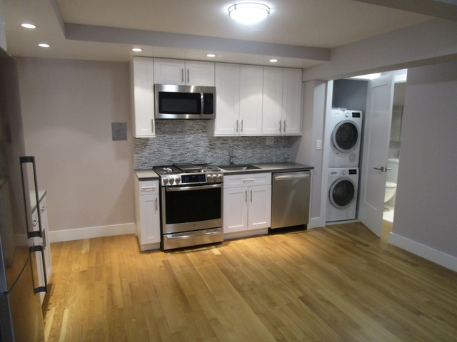 3 Bedrooms, Turtle Bay Rental in NYC for $5,350 - Photo 2