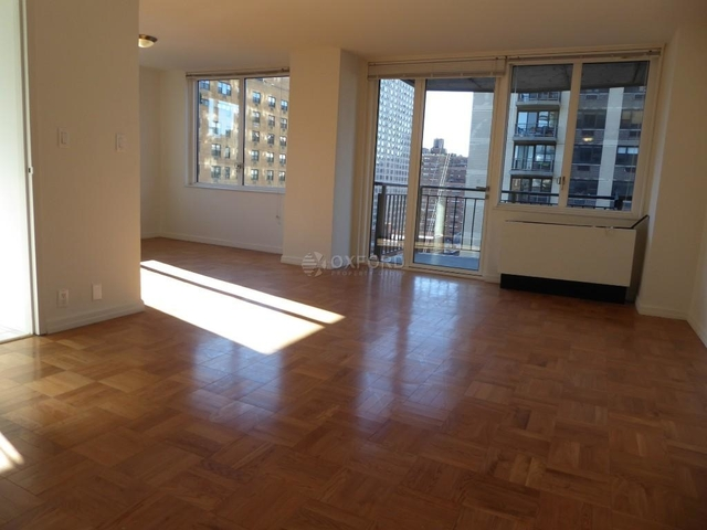2 Bedrooms, Yorkville Rental in NYC for $6,300 - Photo 2