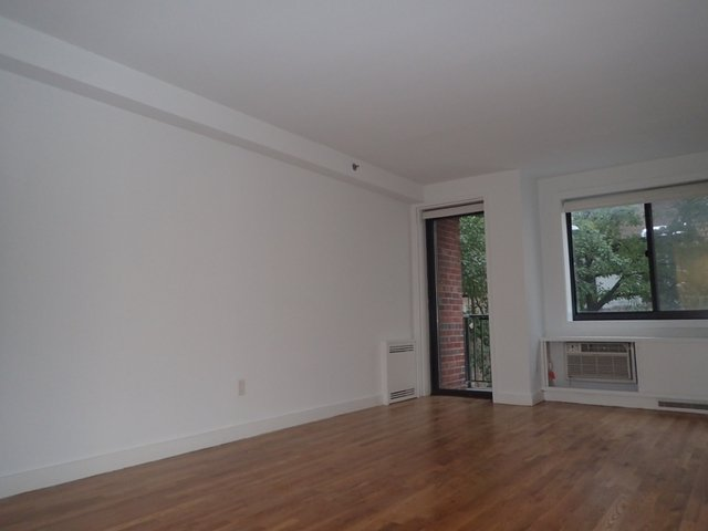 1 Bedroom, Chelsea Rental in NYC for $5,515 - Photo 2
