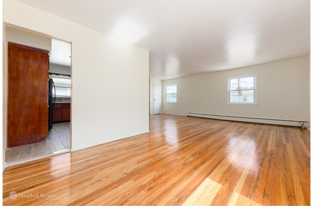 3 Bedrooms, Brookville Rental in NYC for $2,200 - Photo 2