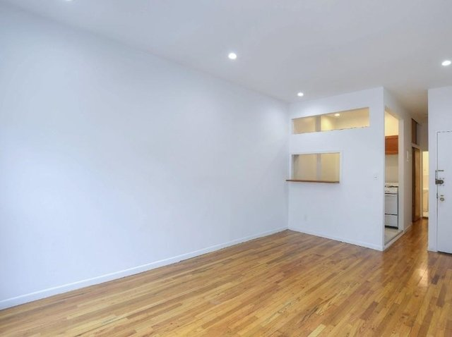 Studio, Yorkville Rental in NYC for $2,195 - Photo 2