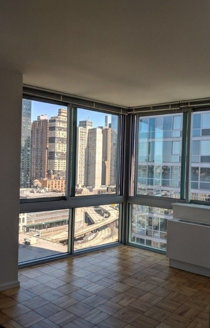 3 Bedrooms, Hell's Kitchen Rental in NYC for $4,867 - Photo 1