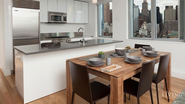 2 Bedrooms, Hell's Kitchen Rental in NYC for $5,065 - Photo 1