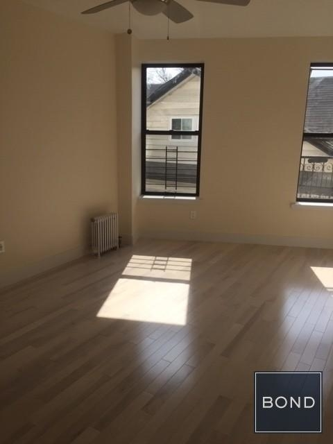 3 Bedrooms, Beverley Square East Rental in NYC for $3,100 - Photo 2