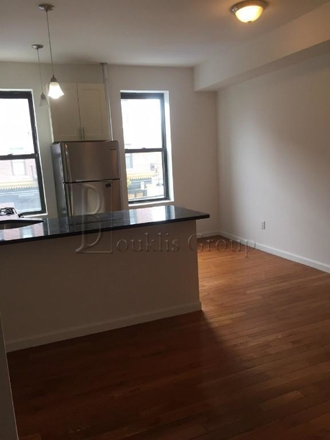 3 Bedrooms, Steinway Rental in NYC for $3,600 - Photo 2