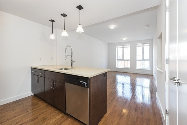 3 Bedrooms, East Williamsburg Rental in NYC for $4,300 - Photo 2