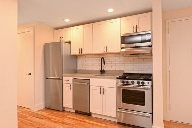 4 Bedrooms, Alphabet City Rental in NYC for $6,700 - Photo 2