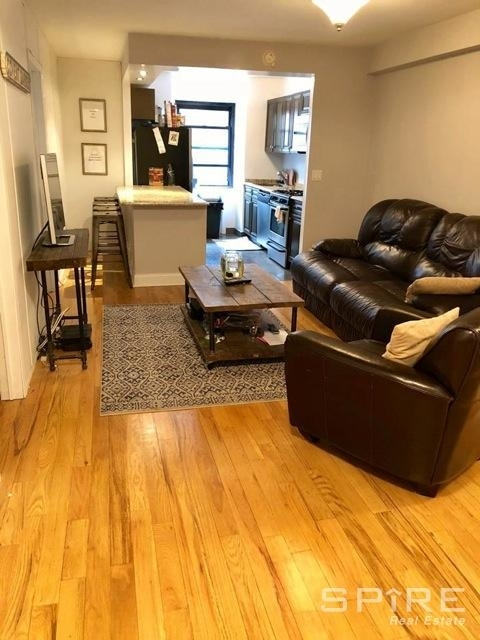 3 Bedrooms, Turtle Bay Rental in NYC for $5,400 - Photo 2