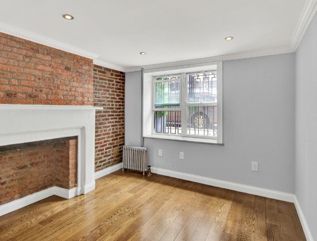 3 Bedrooms, East Village Rental in NYC for $6,150 - Photo 1