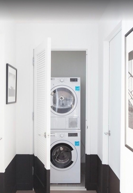 2 Bedrooms, Long Island City Rental in NYC for $4,309 - Photo 2