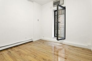3 Bedrooms, Lower East Side Rental in NYC for $3,815 - Photo 2