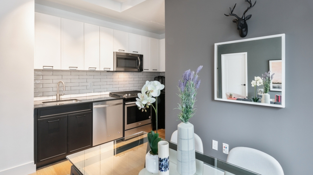 3 Bedrooms, Financial District Rental in NYC for $5,999 - Photo 2