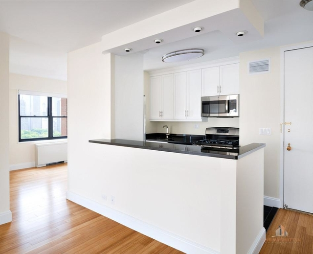 1 Bedroom, Lincoln Square Rental in NYC for $6,250 - Photo 2