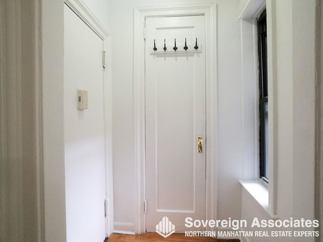 2 Bedrooms, Washington Heights Rental in NYC for $2,375 - Photo 1