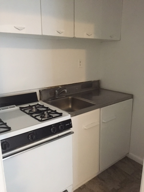 2 Bedrooms, Astoria Rental in NYC for $1,890 - Photo 2