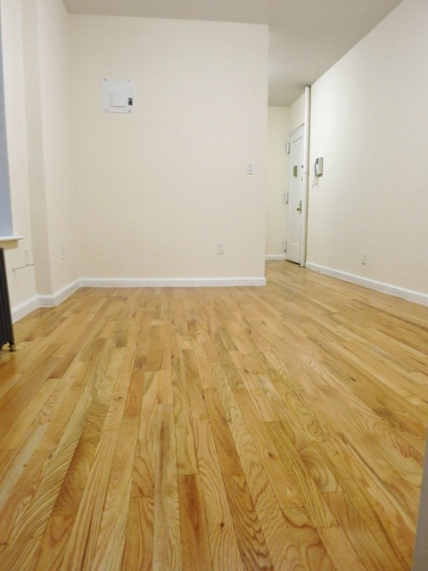 1 Bedroom, Yorkville Rental in NYC for $1,948 - Photo 2