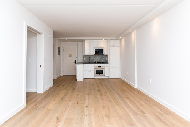 1 Bedroom, Two Bridges Rental in NYC for $4,075 - Photo 2