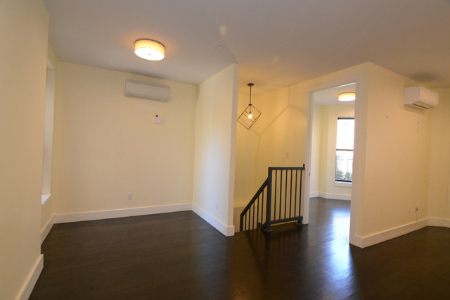 2 Bedrooms, Crown Heights Rental in NYC for $3,095 - Photo 2