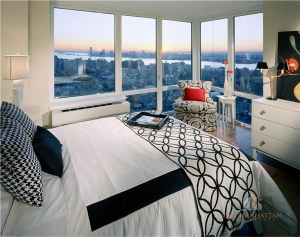 3 Bedrooms, Chelsea Rental in NYC for $9,000 - Photo 1