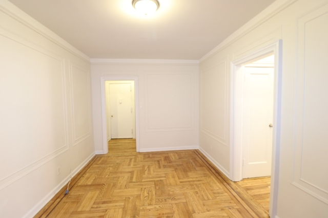 1 Bedroom, Flushing Rental in NYC for $1,725 - Photo 2