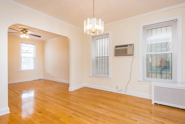 2 Bedrooms, Astoria Rental in NYC for $3,000 - Photo 2