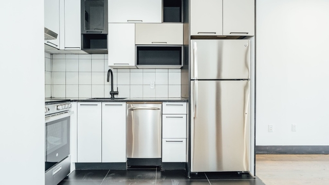 2 Bedrooms, Bushwick Rental in NYC for $2,565 - Photo 2