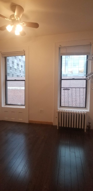 3 Bedrooms, Upper East Side Rental in NYC for $3,500 - Photo 1
