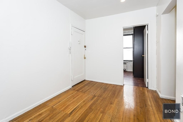 2 Bedrooms, Gramercy Park Rental in NYC for $3,200 - Photo 2