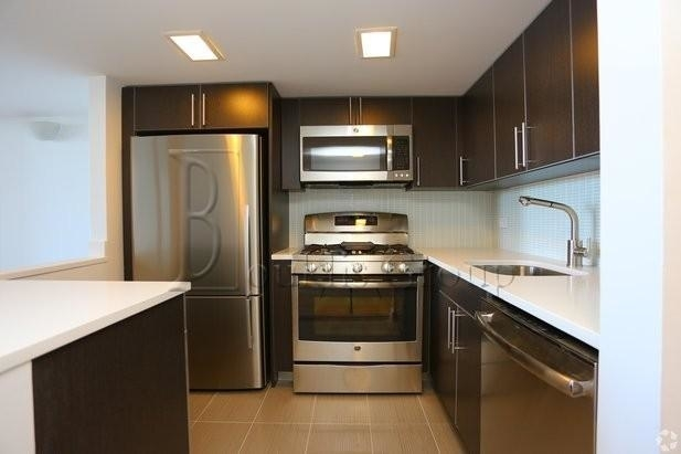 2 Bedrooms, West Village Rental in NYC for $6,350 - Photo 2