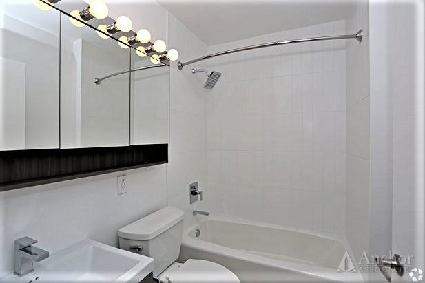 Studio, Hell's Kitchen Rental in NYC for $2,908 - Photo 2
